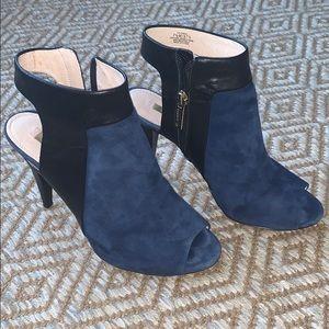 Louise et Coe Navy Suede open toe heels size 7.5